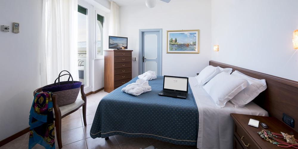 Le camere al grand hotel excelsior san benedetto del tronto - Minipiscina in camera ...